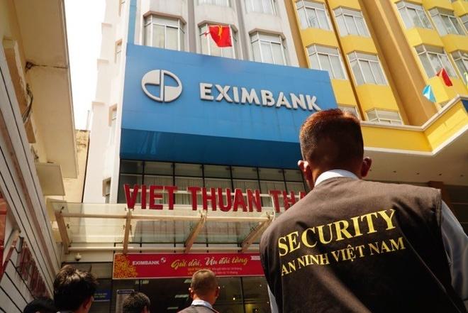 Khoi to 5 nhan vien Eximbank chi nhanh TP.HCM sau vu mat 245 ty dong hinh anh