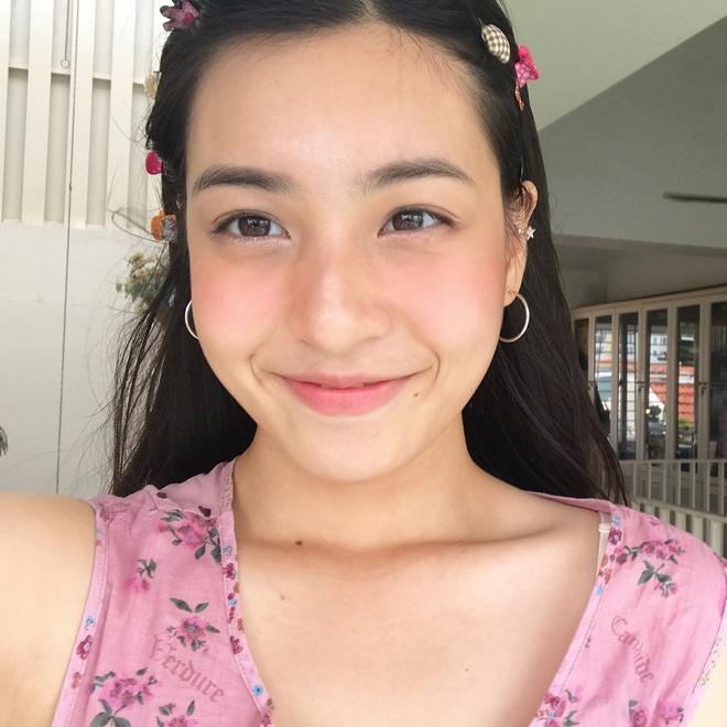 hot girl,  Mai Tay,  Tuong San,  thi dai hoc,  10X thi dai hoc anh 1
