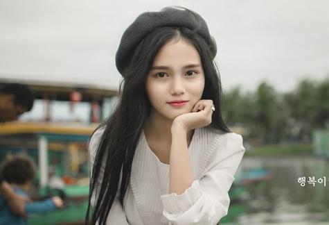 Thieu nu Viet duoc dan mang Han Quoc khen xinh dep la ai? hinh anh
