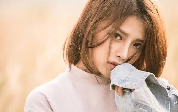 Nhan sac ban gai hot girl cua Phan Manh Quynh hinh anh 5