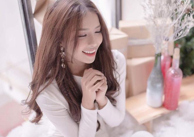 Nhan sac ban gai hot girl cua Phan Manh Quynh hinh anh 3