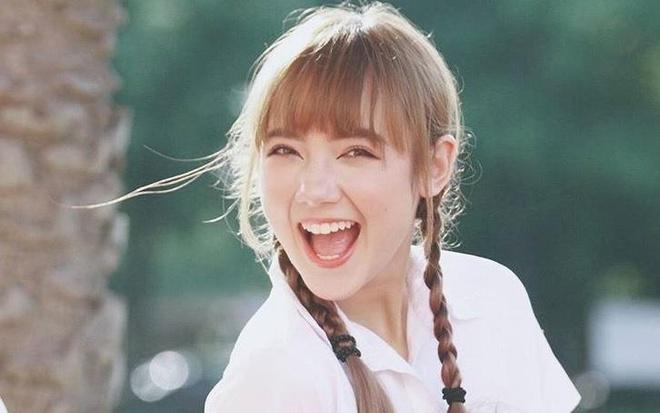 Hot girl Thai Lan cover 'Beo dat may troi' gio ra sao? hinh anh