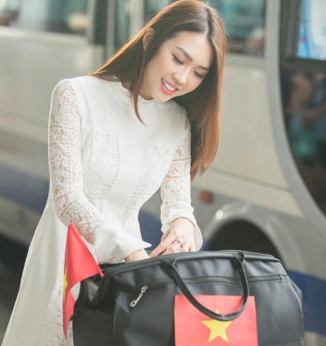 Hoa hau sac dep chau A 2017 tung la hot girl noi tieng o Sai Gon hinh anh 9