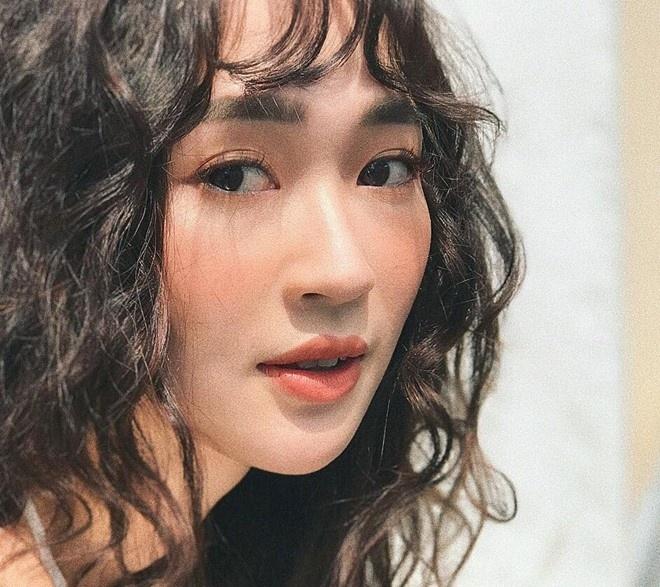 Tu vu Huong Giang Idol, Sun Ht: Dan mang ngay cang qua da? hinh anh 2