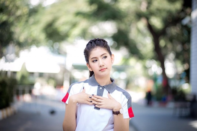Hot girl Thai Lan 20 tuoi duoc menh danh 'con nha nguoi ta' hinh anh 1