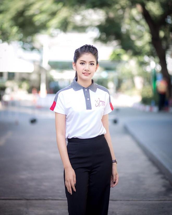 Hot girl Thai Lan 20 tuoi duoc menh danh 'con nha nguoi ta' hinh anh 10