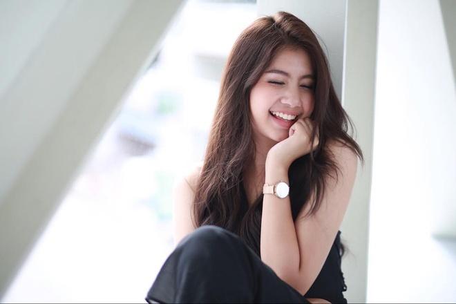 Hot girl Thai Lan 20 tuoi duoc menh danh 'con nha nguoi ta' hinh anh 6
