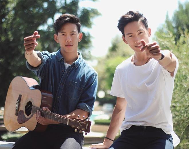 Anh em song sinh goc Viet cover 'Em gai mua' hot tren mang la ai? hinh anh 1