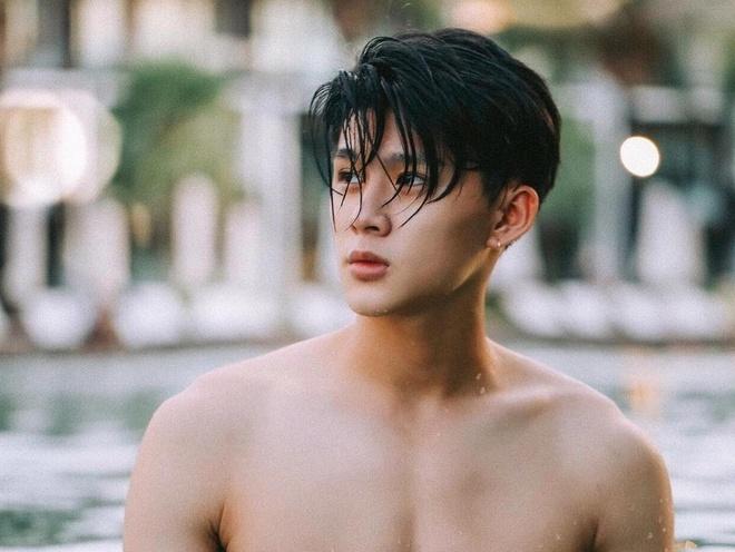 Nam chinh dien trai trong MV 'Ta con yeu nhau' cua Duc Phuc la ai? hinh anh
