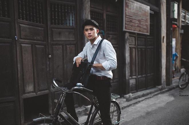 Nam chinh dien trai trong MV 'Ta con yeu nhau' cua Duc Phuc la ai? hinh anh 6