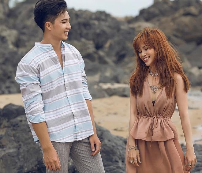 Chuyen tinh cam hot girl 2017: Ke chia tay, nguoi vua moi cong khai hinh anh 7