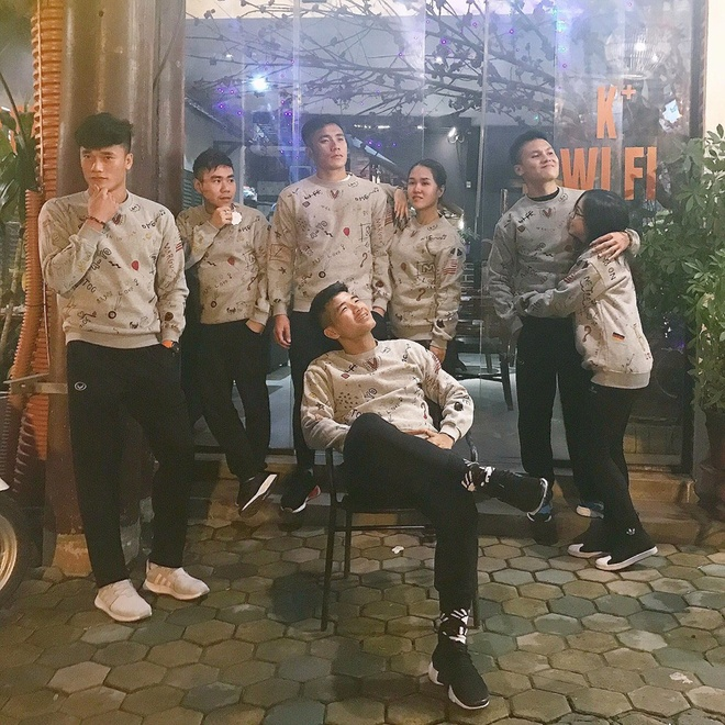Loat khoanh khac 'lay loi' khac xa tren san cua cau thu U23 Viet Nam hinh anh 3