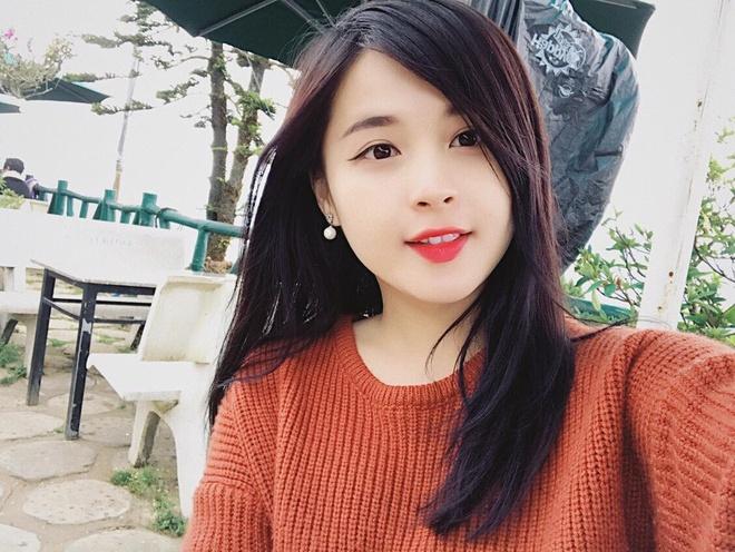 Hot girl 9X duoc cho la ban gai cua cau thu U23 Nguyen Trong Dai hinh