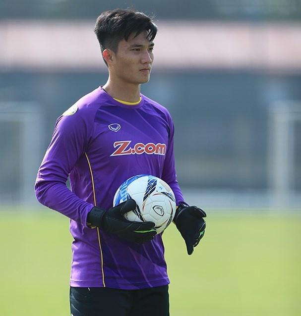 Thu mon du bi cua U23 Viet Nam dien trai khong kem Bui Tien Dung hinh anh 3