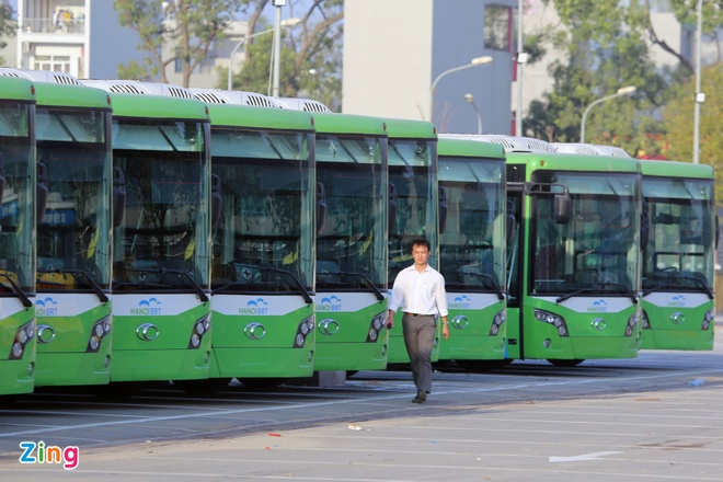 Cuoi thang 12 xe buyt nhanh Ha Noi chinh thuc hoat dong anh 1