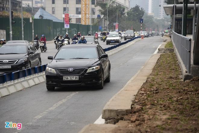 Ha Noi lap xong phan cach cung nha cho BRT Giang Vo hinh anh 2