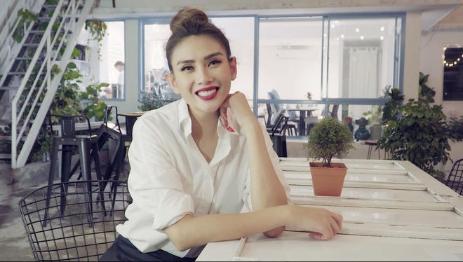 Video - Vo Hoang Yen: 'Scandal nhu mon trang mieng cua gioi van phong' hinh anh