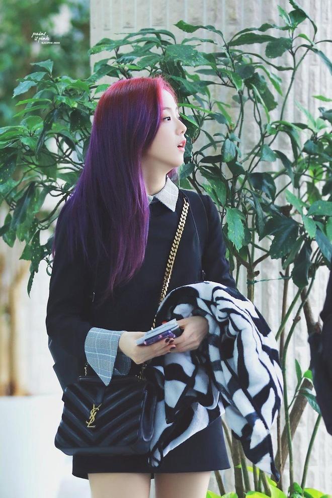 Trang phuc cua Jisoo cung dat khong kem gi Jennie hinh anh 5