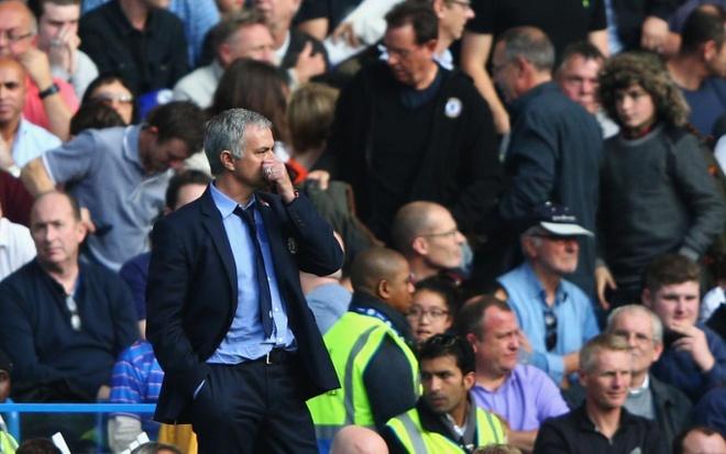 Bao gio Mourinho bi day ra dao Saint Helena? hinh anh 3