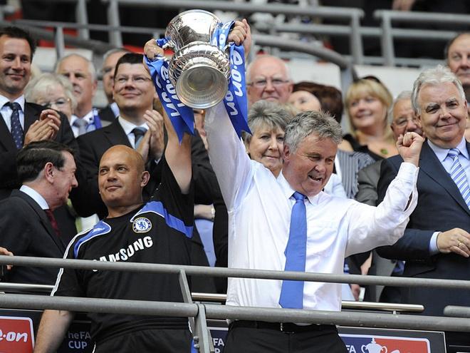 Hiddink den de danh thuc ga khong lo Chelsea hinh anh