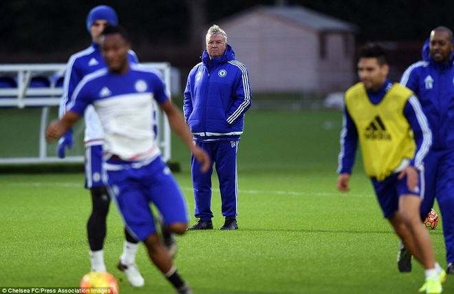 Chelsea se nhanh chong vo mong voi Hiddink hinh anh 1