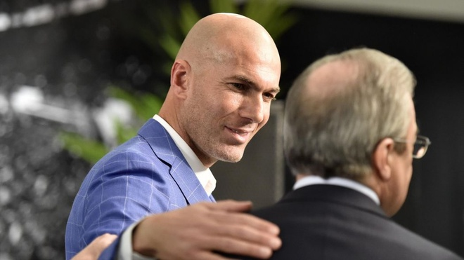 Tai sao Perez lai dat Zidane vao ghe nong? hinh anh 2
