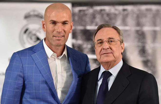 Tai sao Perez lai dat Zidane vao ghe nong? hinh anh