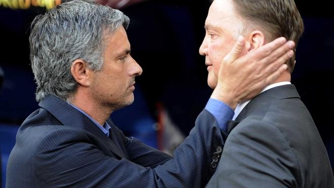 Mourinho dang rat hao huc, sao Van Gaal van ngoi do? hinh anh 1