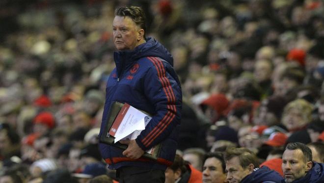 Mourinho dang rat hao huc, sao Van Gaal van ngoi do? hinh anh 2