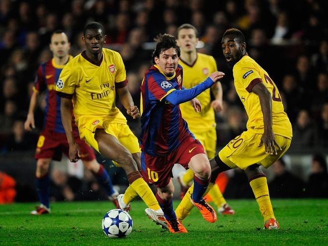 Truoc Barcelona, Arsenal cho doi gi? hinh anh 2