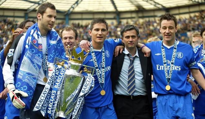 Truoc khi Mourinho den, Van Gaal da lam hai Rashford hinh anh 3