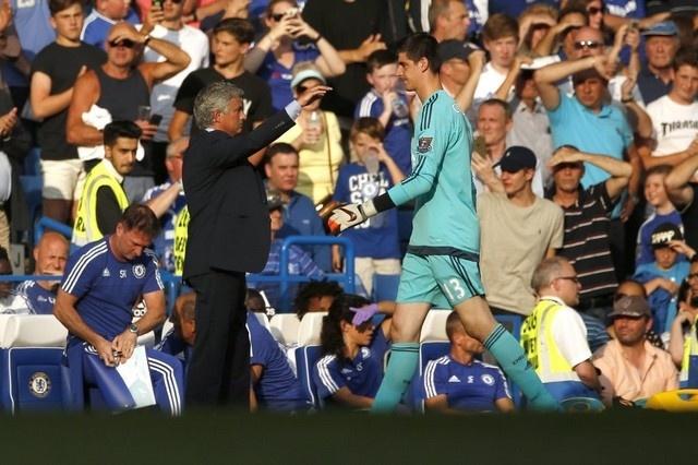 Den MU, Mourinho van co cho cho Marcus Rashford hinh anh 3