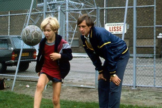 Con trai Cruyff va ban hop dong bi an cua Sir Alex hinh anh 2