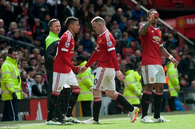 Nhin Rashford, anh nghi gi, Rooney? hinh anh 3