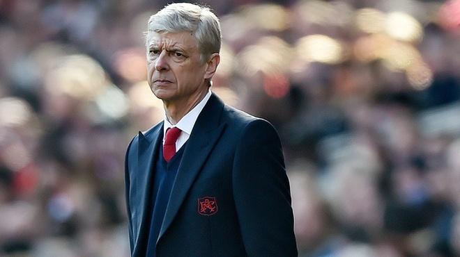 Arsene Wenger tren bo vuc cua an sa thai hinh anh