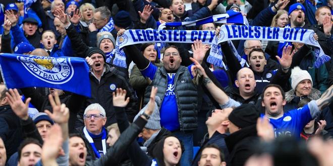 Fan Leicester cho 132 nam cho ngay dang quang hinh anh 1