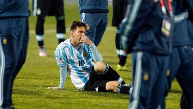 Messi mot lan nua oan vai vi mon no dan toc hinh anh 3