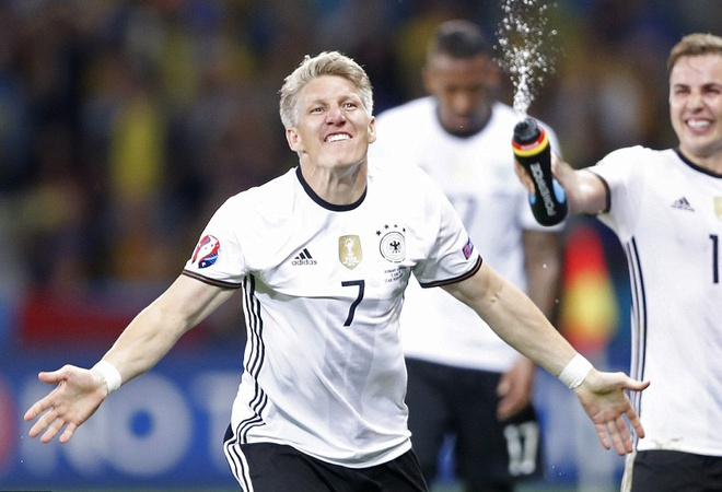 Schweinsteiger, vi anh la bieu tuong chien thang hinh anh 1