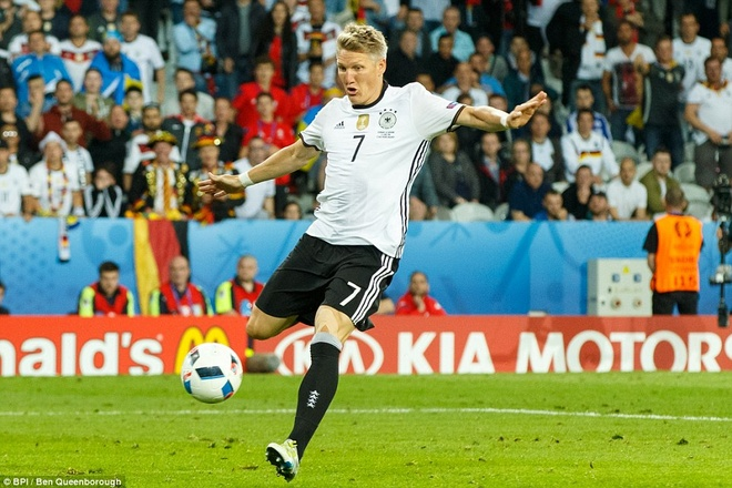 Schweinsteiger, vi anh la bieu tuong chien thang hinh anh 2