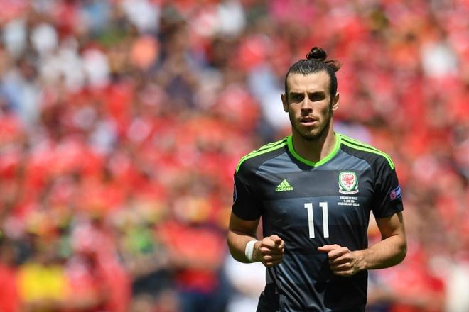 Ronaldo va Bale han dang rat... nho nhau hinh anh 2