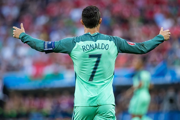 Vi sao Messi se khong bao gio bang Ronaldo hinh anh 2