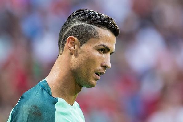 Vi sao Messi se khong bao gio bang Ronaldo hinh anh