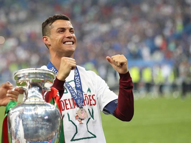 Cuoc tranh cai giua Messi va Ronaldo van chua ket thuc hinh anh