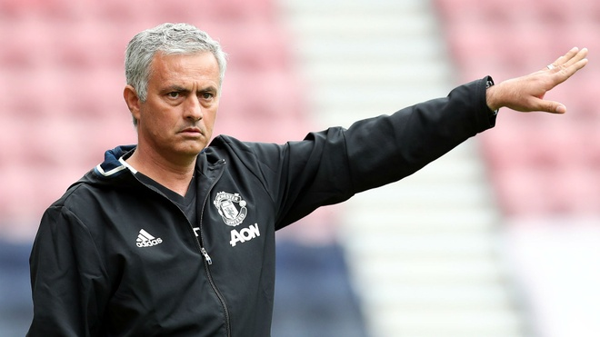 Premier League hay can than, Mourinho dang tra thu hinh anh