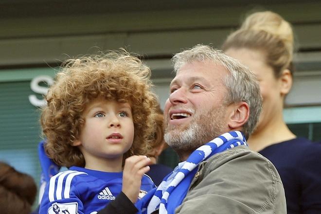 Vi sao Abramovich lai bom tien cho Chelsea anh 2