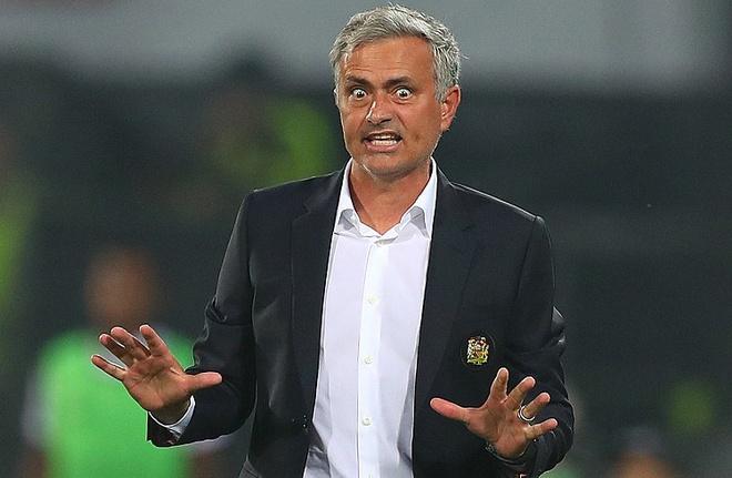 Sau Sheva, den luot Pogba de doa tuong lai Mourinho hinh anh