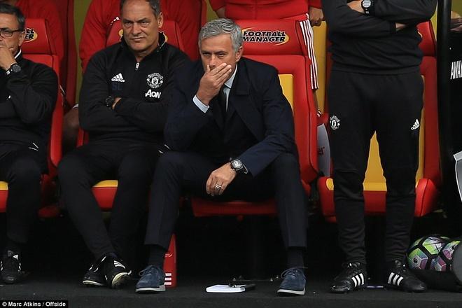 MU vo mong va Mourinho dang tu sat hinh anh 1