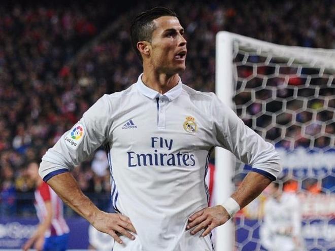 Vi sao khi Rooney chong gay, Ronaldo van se ghi ban? hinh anh