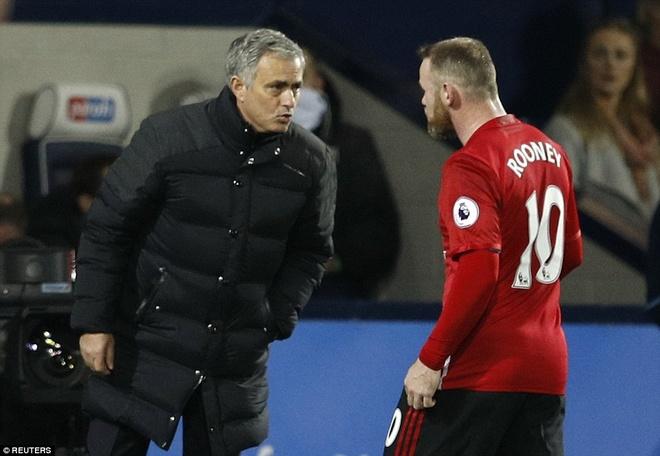 Co hay khong chuyen Mourinho ghet bo Rooney? hinh anh 2