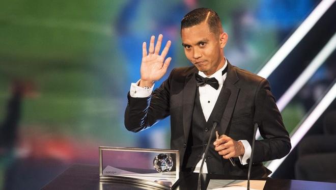 Mohd Faiz Subri, chang nong dan danh bai ca Messi, Neymar hinh anh 2